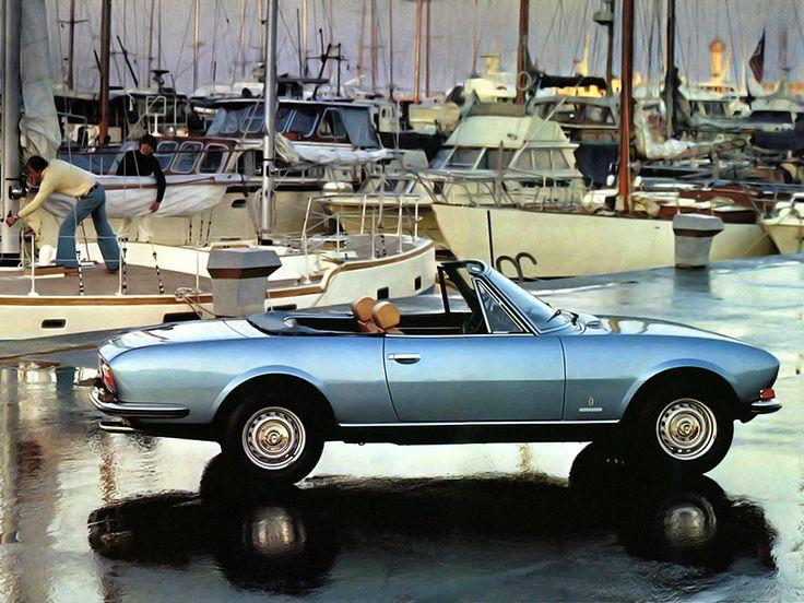 Élue voiture de l'année 1968, la Peugeot 504 berline est conçue et fabriquée par Peugeot. Ses déclinaisons Coupé et Cabriolet dévoilées en 1966 sont, elles, fabriquées par Pininfarina. Malgré les années, cette décapotable n'a rien perdu de son charme.