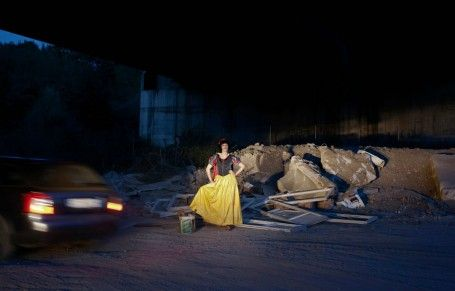 Snow White prostitute (Je suis Winnie l'Ourson by  Benjamin Béchet)