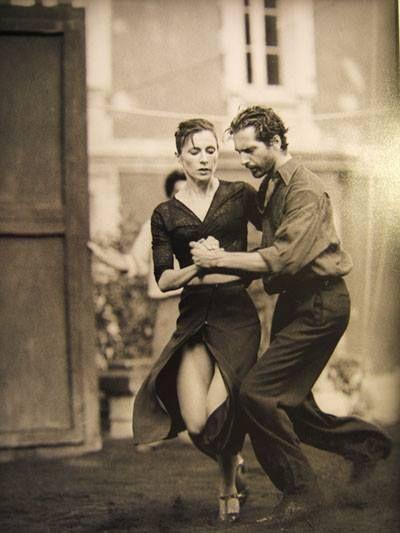 J'aime l'énergie qui ressort de cette photo de danseurs de tango.