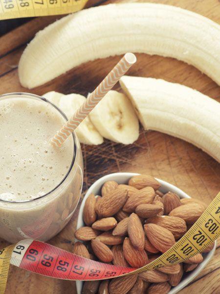 Mandeln sind gesund und dank ihres idealen Verhältnisses von guten Fetten und Vitalstoffen sorgen sie dafür, dass Heißhunger ausbleibt und
