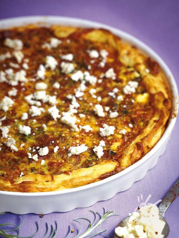 La Torta salata con fagiolini e ricotta è una torta rustica che potrete servire a un apericena, un buffet o un picnic primaverile! Per veri ghiottoni