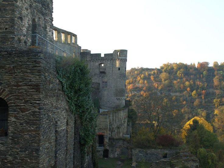 """Ruin """"Rheinfels"""" in St. Goar, Germany"""