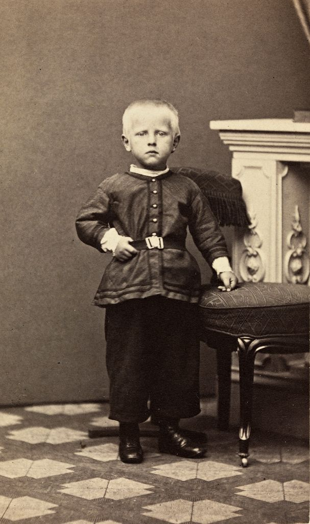 Fridtjof Nansen (1861-1930) at the age of four, 1865. Source: National Library of Norway