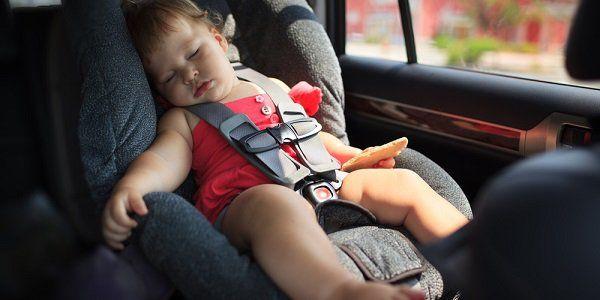 Assicurare i propri bambini sugli appositi seggiolini auto è molto importante per garantirgli sicurezza durante gli spostamenti. Purtroppo gli incidenti sono all'ordine del giorno ed è bene che i piccoli siano protetti nel migliore dei modi, anche quando si tratta di percorsi brevi e apparentemente non pericolosi. Nel 2017 sono previste delle modifiche alla normativa sui seggiolini auto per fare in modo che i viaggi in macchina diventino ancora più sicuri.