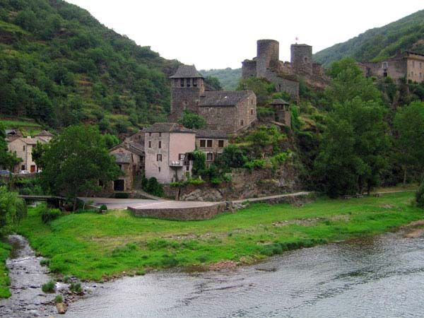 Share Tweet Pin Mail http://www.tourismontheedge.com/hidden-places/europe/brousse-le-chateau-probably-the-most-beautiful-village-in-francepicture by chantal_france Brousse-le-Château is a fascinating and picturesque French county located in the Aveyron region, South-West of France. Some ...