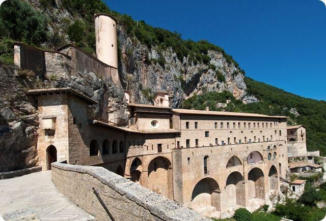 Viaggio alla scoperta della Valle dell'Aniene un territorio ricco di storia e cultura.
