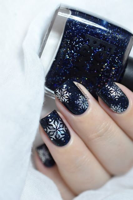 "Marine Loves Polish: Nailstorming - On se les ""Jell"" ! Vernis Jelly ! [VIDEO TUTORIAL ft. She Modern Foil Water Decals Review] - Holo snowflakes nail art - winter nails - Foxy Paws Polish Where's the Tylenol?"