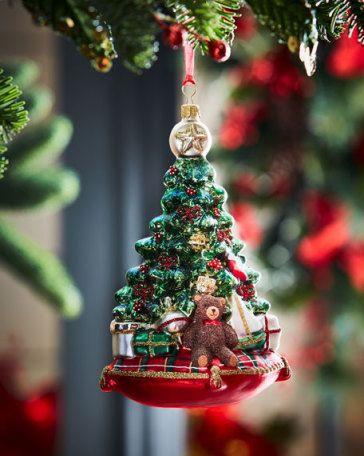 12 Beautiful Christmas Trees Christmas Decor Ideas Pinterest