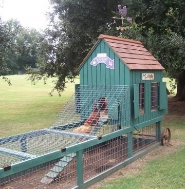 A portable coop!  Love it.  6 Favorite Chicken Coops   Living the Country Life