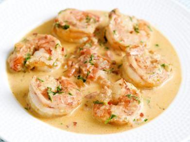 Scampi's in pittige tomatenroomsaus http://www.libelle-lekker.be/recepten/eten/15695/scampis-in-pittige-tomatenroomsaus