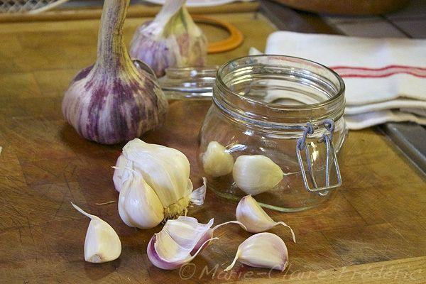 """Comment faire de l'ail """"confit"""" en saumure, alias ail lacto-fermenté - Ni cru ni cuit, le blog des aliments fermentés"""