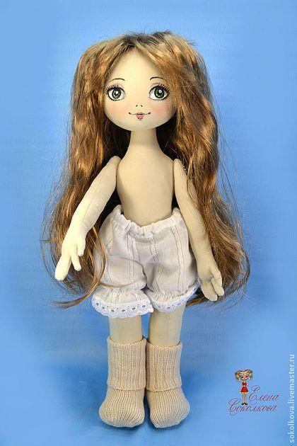 Купить или заказать Выкройка текстильной куклы в интернет-магазине на Ярмарке Мастеров. Выкройка деталей тела текстильной куклы. По этой выкройке сшиты некоторые мои куклы. Они на фото. Выкройка дана в формате PDF в трёх вариантах : для кукол ростом 48см , 26 см и 40 см Без описания работы и выкроек одежды. Только тело куклы. Правда, прилагается выкройка сапожек) Выкройки даны БЕЗ припусков на швы. Конечный результат зависит от используемого материала, вида наполнителя и качества(!