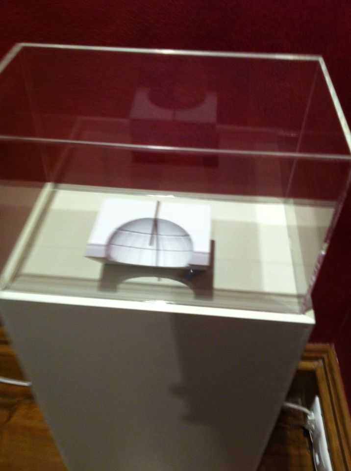 Κωνικό ηλιακό ωρολόγιο (ο κώνος του Διονυσιόδωρου).Clock