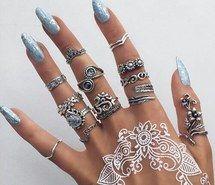 Вдохновляющая картинка аксессуар, искусство, мода, девушка, цели, рука, стильные ногти, ногти, краска, бледные, кольца, стиль, 4097568 - Размер 500x500px - Найдите картинки на Ваш вкус