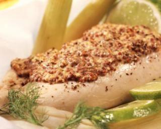 Papillotes de poulet au four, sauce light à la moutarde et fenouil rôti : http://www.fourchette-et-bikini.fr/recettes/recettes-minceur/papillotes-de-poulet-au-four-sauce-light-la-moutarde-et-fenouil-roti.html