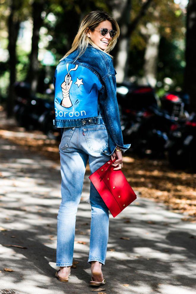 Street style à la Fashion Week printemps-été 2017 de Paris, veste en jean personnalisée