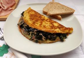 Omelette al pane con prosciutto e spinaci