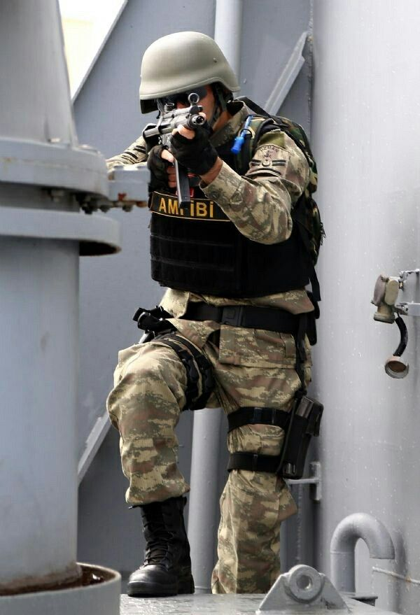 Turkey amphibious soldier