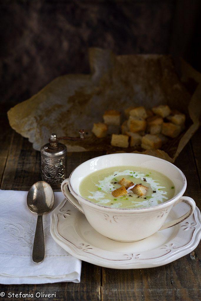 Vichyssoise zuppa di porri senza glutine - Stefania Oliveri https://www.cardamomoandco.it/2017/12/vichyssoise-zuppa-di-porri-e-patate.html