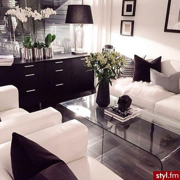 Black & white home decor☻
