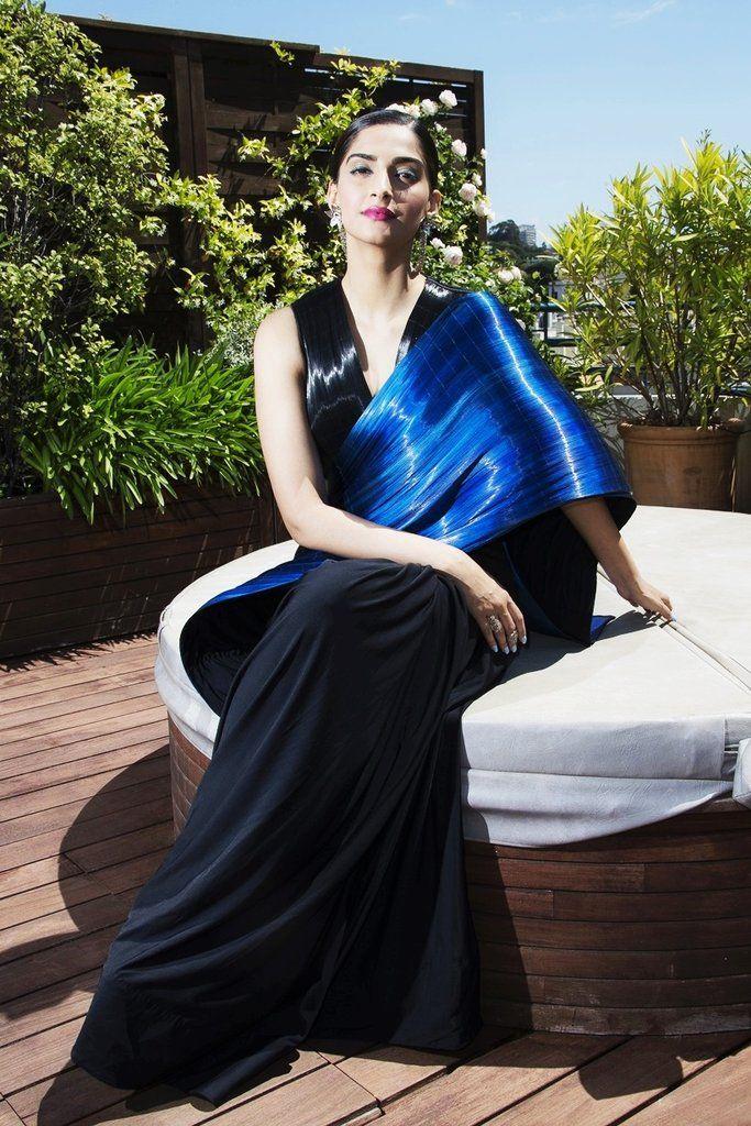 sonam-kapoor-in-saris https://ladyindia.com