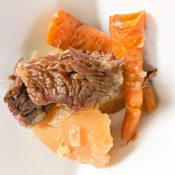 Here's an energy savings cooking tip: choose recipes that use slow cookers instead of the stove as they use significantly less energy. Bree & Liane from our #ElectricKitchen approve of this recipe for Pot Roast of Beef. #ElectricKitchen