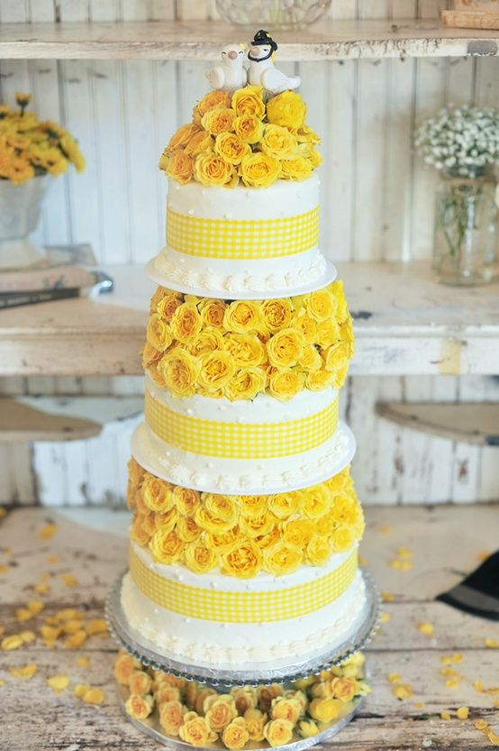 Wedding Cake,,yellow trim oh gosh if only Eric and I could do it again this would be my dream cake lol