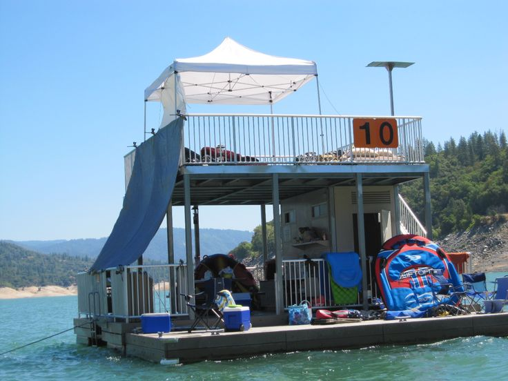 Lake Oroville, CA floating campsites