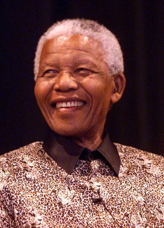 Nelson Rolihlahla Mandela (Mvezo, 18 de julho de 1918) é um advogado, ex-líder rebelde e ex-presidente da África do Sul de 1994 a 1999, considerado como o mais importante líder da África Negra, ganhador do Prêmio Nobel da Paz de 1993, e Pai da Pátria da moderna nação sul-africana.