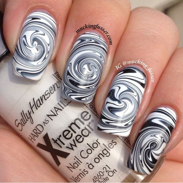 Black & White Swirl - Nail Art Tutorial
