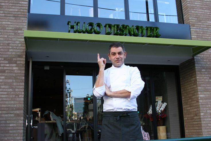 Hugo Desnoyer fier de son succès avec l'ouverture de sa nouvelle table à Tokyo.