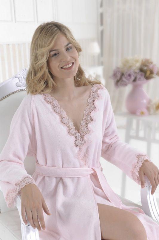 Dámsky dlhý luxusné župan ANGELIC je v ponuke vo farbe ružovej, smotanovej alebo bielej