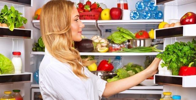 Dodržování správného skladování potravin v lednici je velmi důležité! Víte, kam co patří?