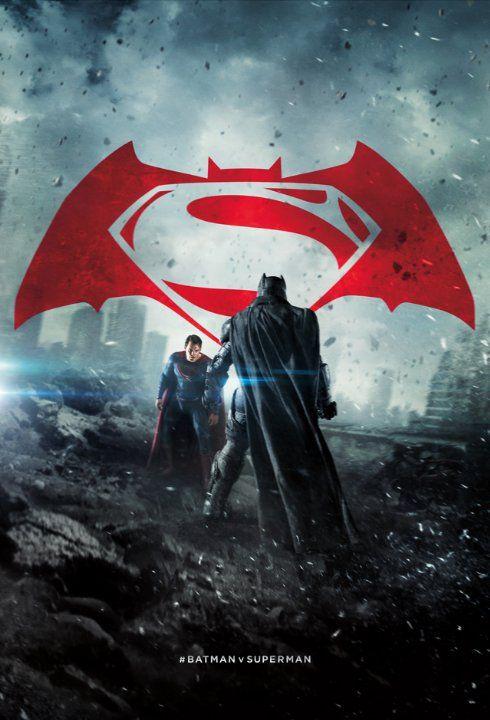 Ben Affleck, Henry Cavill, and Gal Gadot in Batman v. Superman: El amanecer de la justicia (2016)