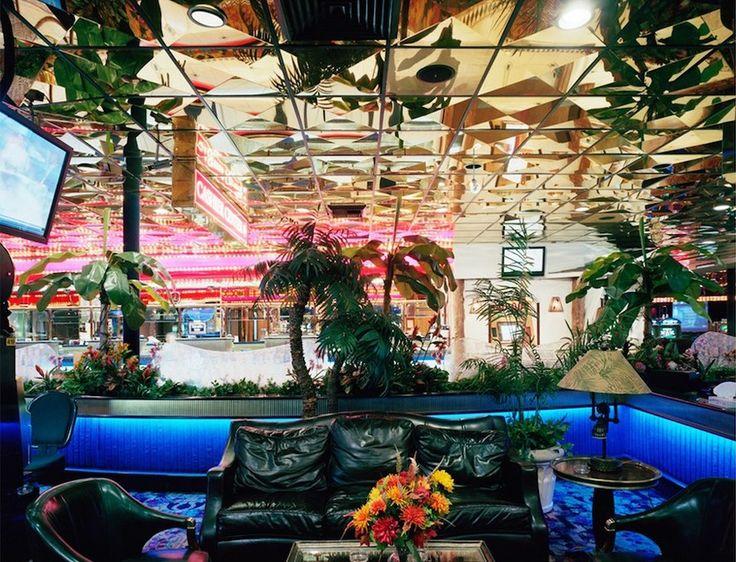 Американец Джо Джонсон отправился вгород Рино, штат Невада, чтобы посмотреть, как выглядит казино вутренние часы.