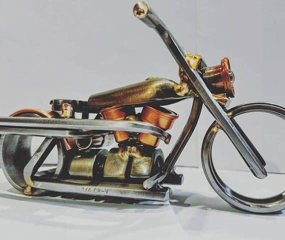 Escultura de moto arte chatarra