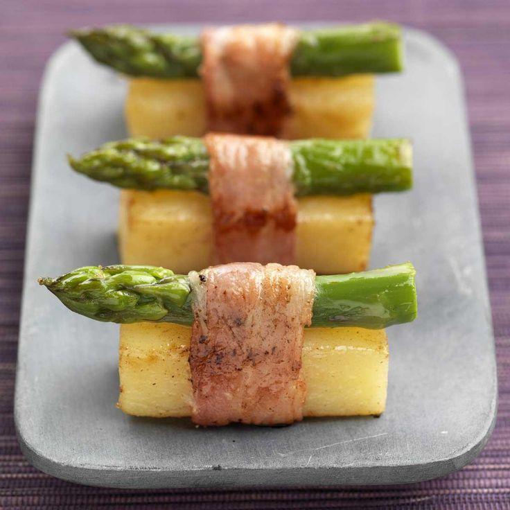 Coupez les extrémités des pommes de terre et les côtés pour obtenir des rectangles égaux.Faites-les cuire 15 à 20 minutes à la vapeur ou dans l'eau bouillant