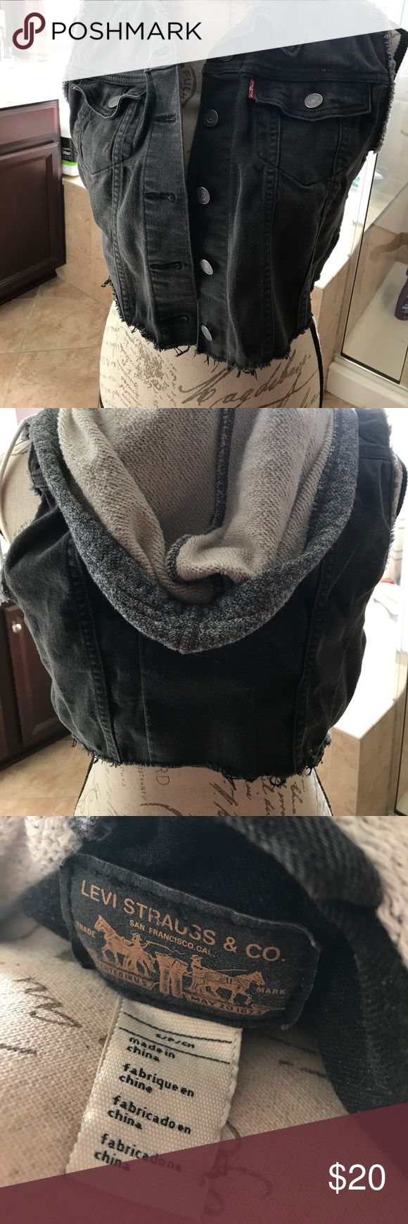 Levi's Sleeveless Hooded Jean Jacket I'm a Crossfitter and it simply doesn't fit me anymore. Levi's Jackets & Coats Vests