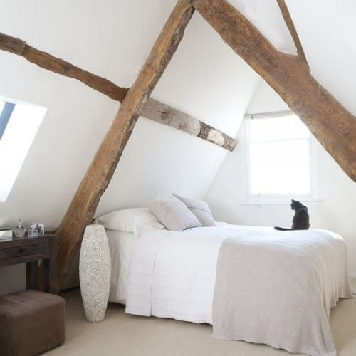 White.: Natural Woods, Atticbedroom, Loft Bedrooms, Expo Beams, White, Cat Naps, Attic Bedrooms Design, Bedrooms Decor Ideas, Woods Beams