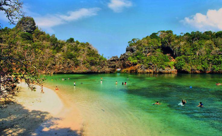 Nikmati Keindahan Tempat Wisata Pulau Sempu di Malang Jawa Timur