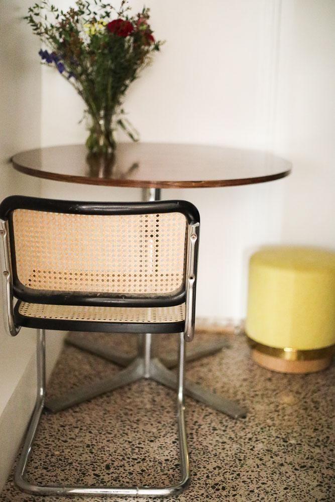 cuisine table arne jacobsen chaise cesca marcel breuer tabouret red edition bouquet racine terrazzo bureaux de - Chaise De Cuisine Retro