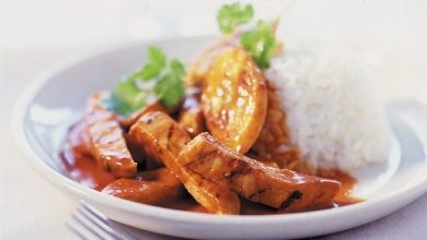 Spicy Chicken & Plantains Over Rice - http://food-management.com ...