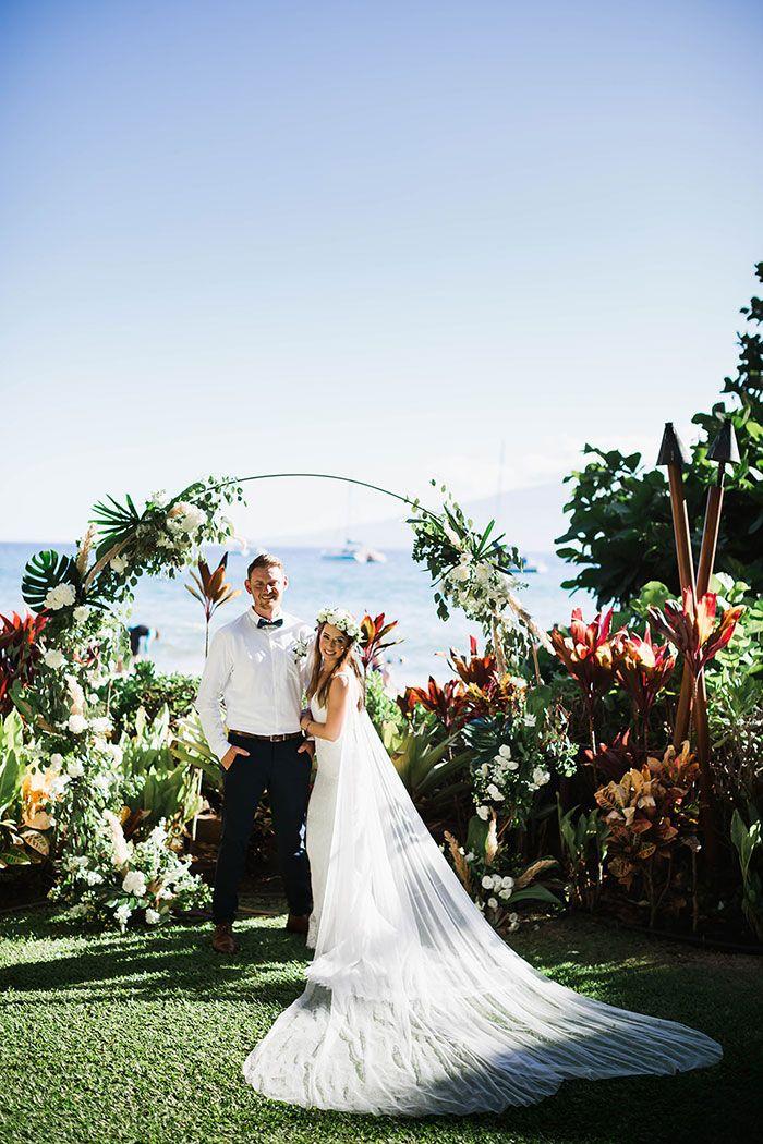 Bohemian Mermaid Bride For A Relaxed Hawaii Wedding In 2020 Mermaid Bride Hawaii Wedding Maui Wedding Photographer