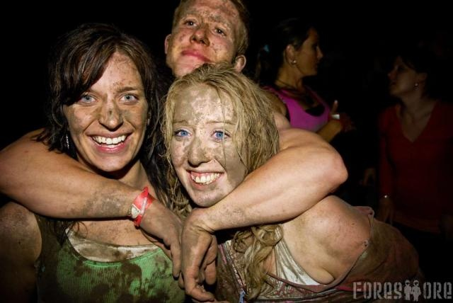 Everyone embraced the mud at Foreshore '07!