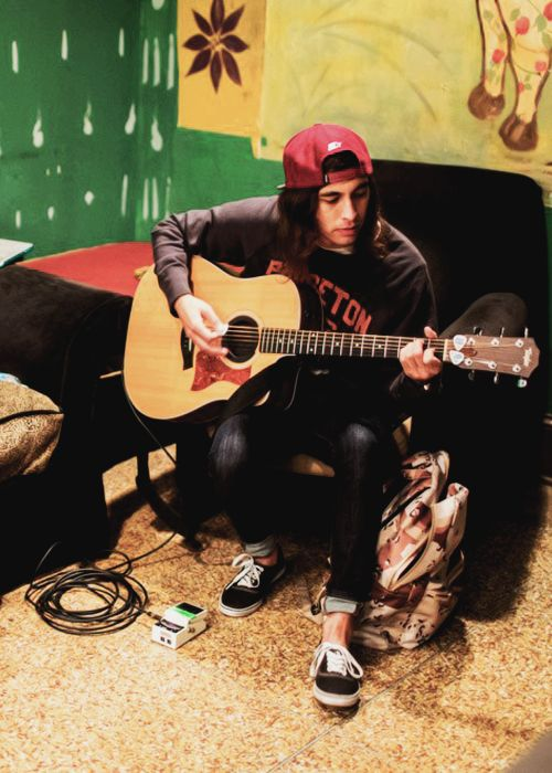 349 best images about vic fuentes on Pinterest | Vic ... Vic Fuentes Muscles