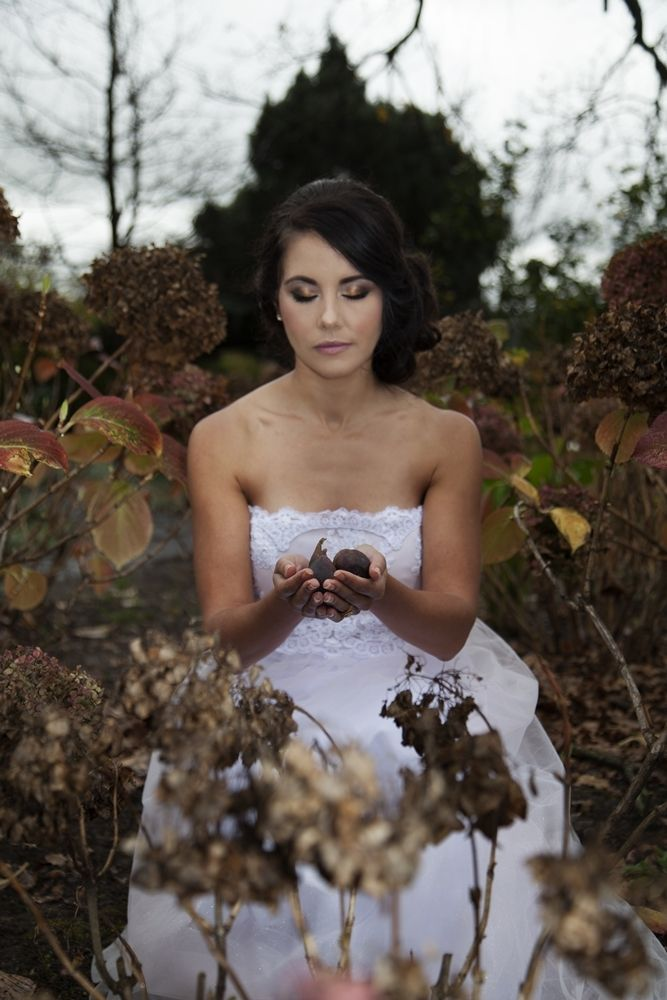 Fall Bride   Credit: Mooi Photography