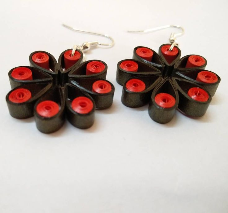 """""""Flowers style earrings made from quilling strips.  Online etsy store - bit.ly/pHDesigns  #quilling #quilled #jewelry #earrings #quillingearring…"""""""