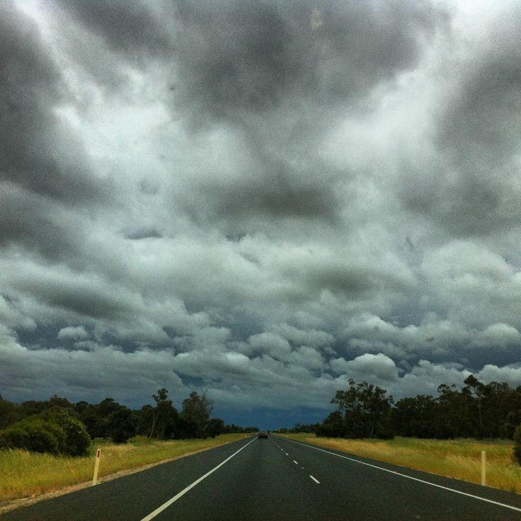 Thunderstorms in the southern outskirts of Perth