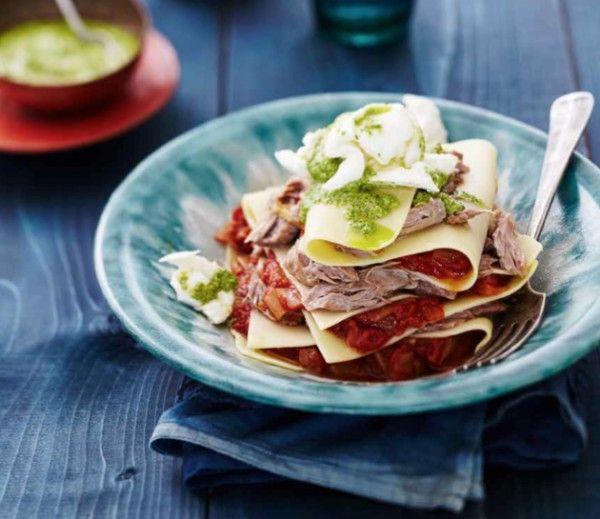 Recept - Lamsschenkel met lasagne & korianderpesto - JAN Magazine