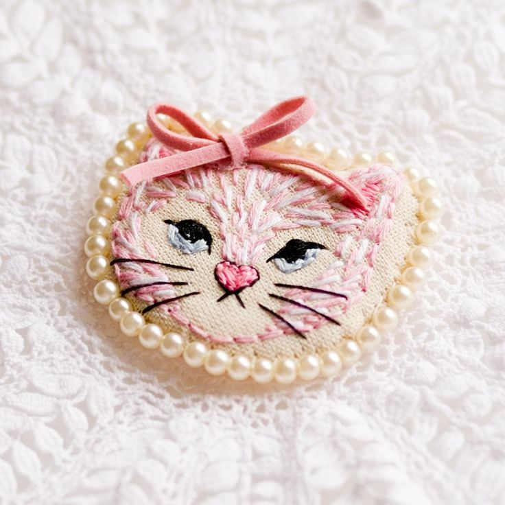 Image of Kitten Art Brooch